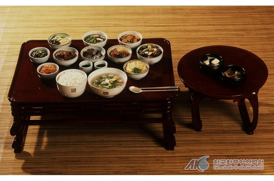 韓國料理擺放-飯床